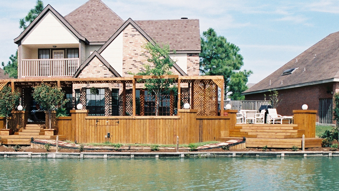 Houston Deck and Shade Arbor Builder | Custom Decks Inc.